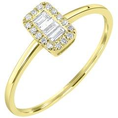 Diamond Ring in 18 Karat Yellow Gold