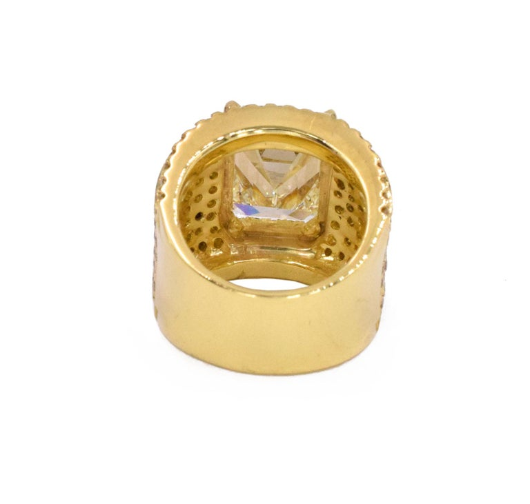 NALLY 10.44 Carat Emerald-Cut Diamond Ring  In Excellent Condition For Sale In New York, NY