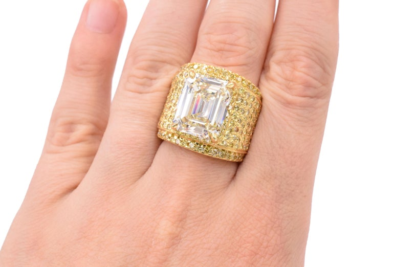 NALLY 10.44 Carat Emerald-Cut Diamond Ring  For Sale 1