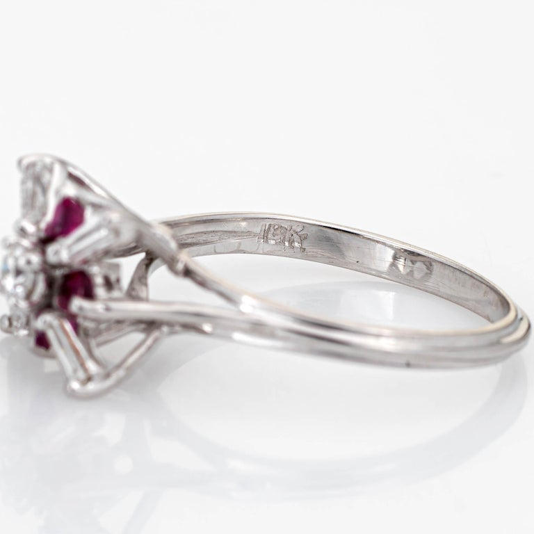 Diamond Ruby Star Ring Vintage 18 Karat White Gold Estate Fine Cocktail Jewelry For Sale 1