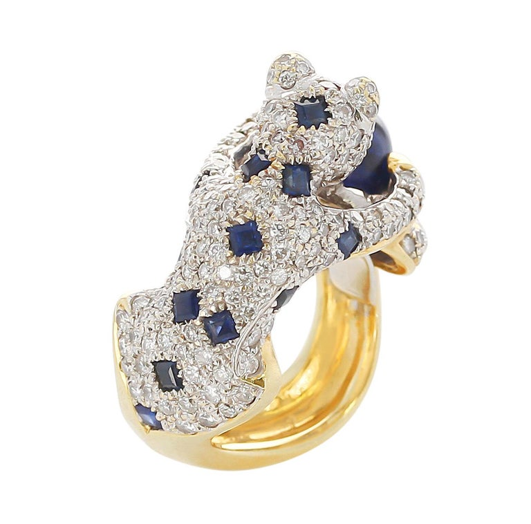 Diamond, Sapphire, and Emerald Panther Ring, 18 Karat Gold In Excellent Condition For Sale In New York, NY