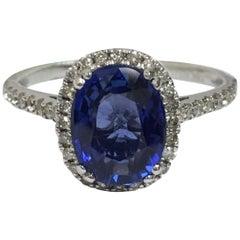Diamond Sapphire Ring Set in Gold
