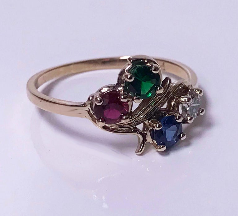 Diamond, Sapphire, Ruby and Tsavorite Gold Ring In Good Condition For Sale In Toronto, ON