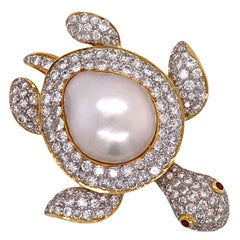 Diamond South Sea Pearl Turtle 18 Karat Yellow Gold Brooch Pin