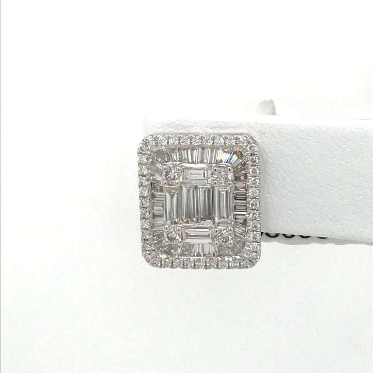 Round Cut Diamond Square Stud Earrings 3.25 Carat 18 Karat White Gold For Sale