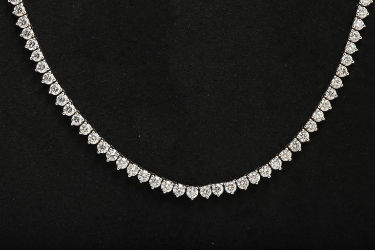 Contemporary Diamond Straight Line Necklace 18.27 Carat F-G SI1-SI2 For Sale