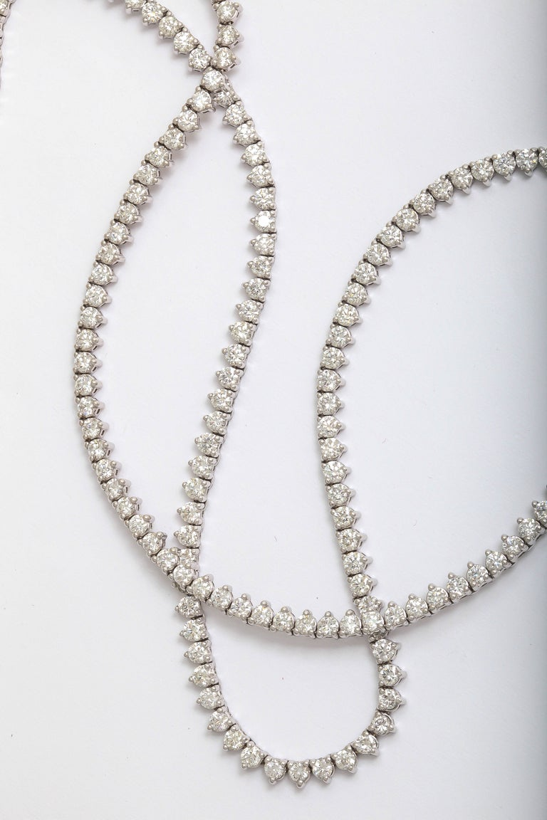 Round Cut Diamond Straight Line Necklace 18.27 Carat F-G SI1-SI2 For Sale