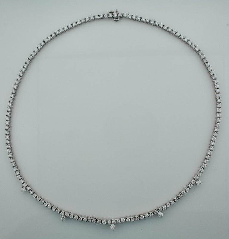 Round Cut Diamond Straight Line Necklace in 18 Karat 7.61 Carat For Sale