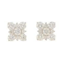 Diamond Stud Earring in 18 Karat White Gold Blossom Shaped