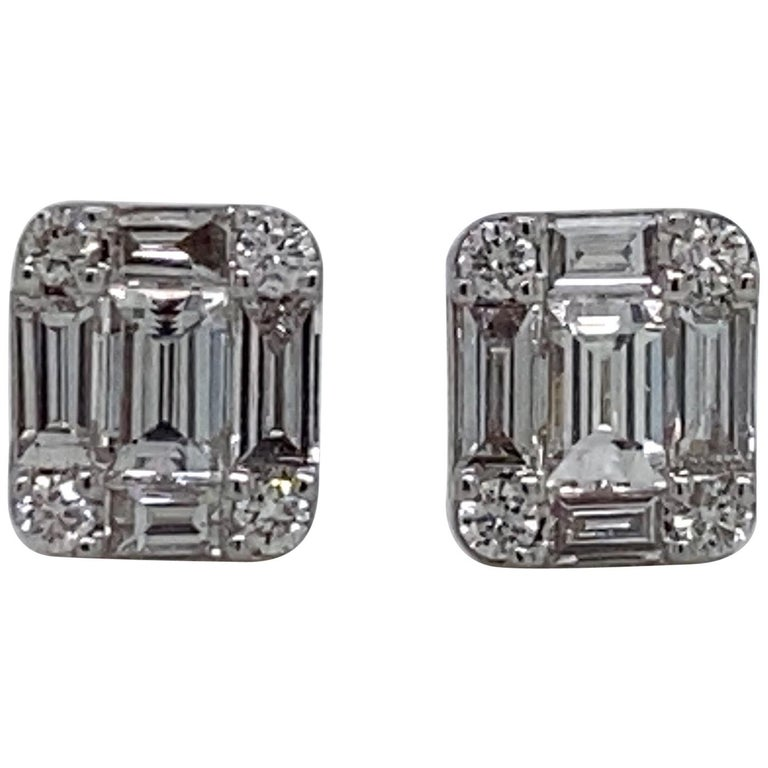 HARBOR D. Diamond Stud Earrings 0.64 Carat 18 Karat White Gold For Sale