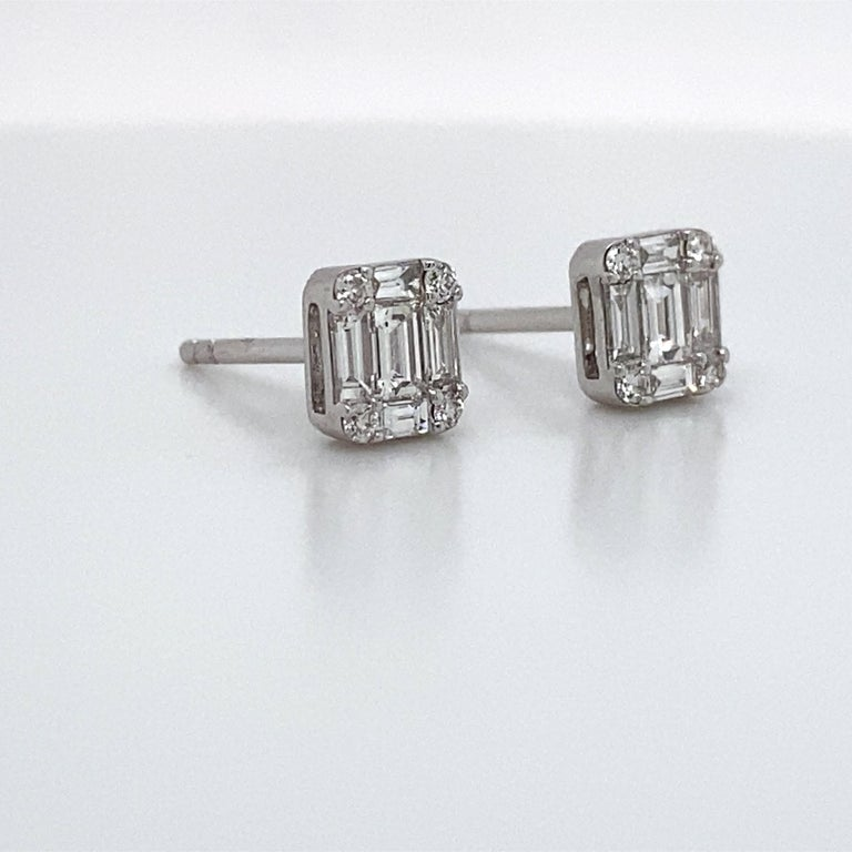 Contemporary HARBOR D. Diamond Stud Earrings 0.64 Carat 18 Karat White Gold For Sale