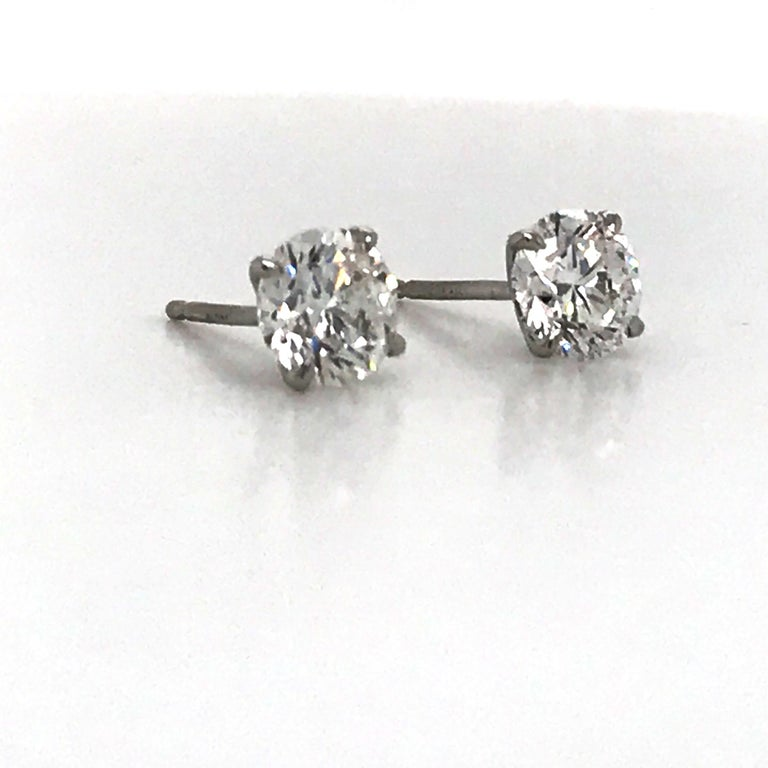 Contemporary Diamond Stud Earrings 1.40 Carat E-F SI2 14 Karat White Gold For Sale