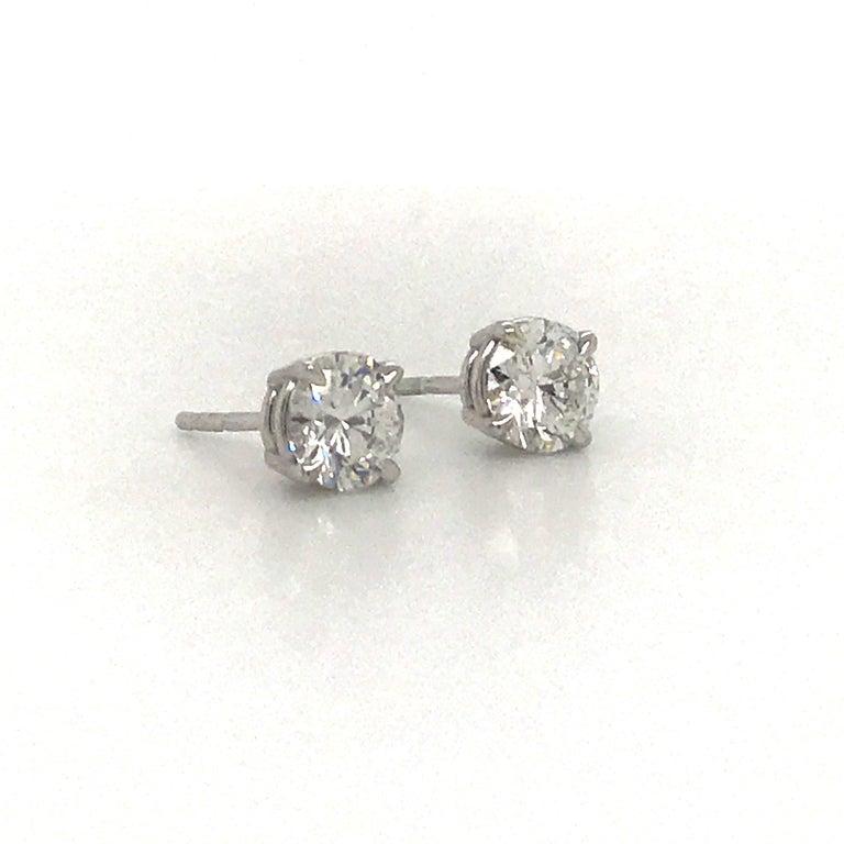 Contemporary Diamond Stud Earrings 1.43 Carat F-G SI3-I1 14 Karat White Gold For Sale