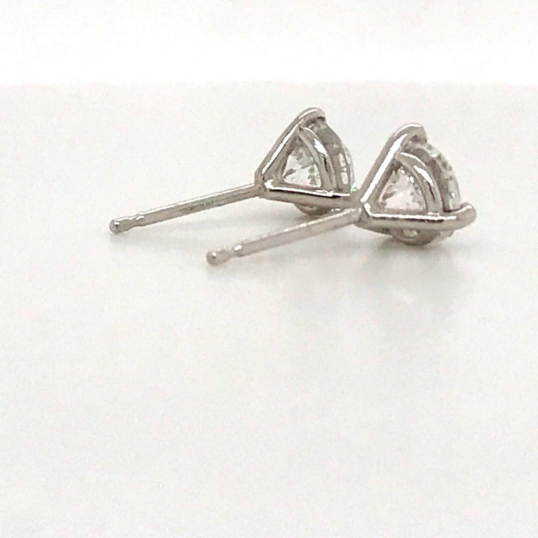 Diamond Stud Earrings 1.60 Carat E-F SI2-SI3 14 Karat White Gold In New Condition For Sale In New York, NY