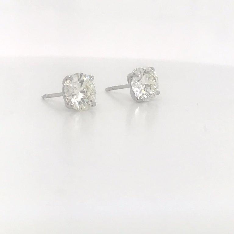 Round Cut Diamond Stud Earrings 3.00 Carats I-J VS2 18 Karat White Gold For Sale