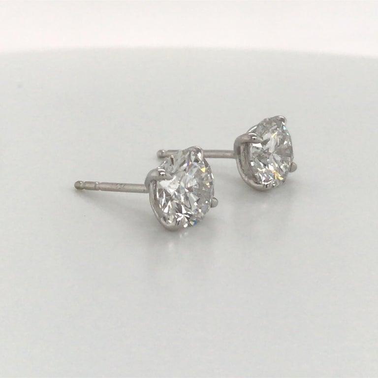Round Cut Diamond Stud Earrings 3.06 Carat G-H SI3-I1 18 Karat White Gold For Sale