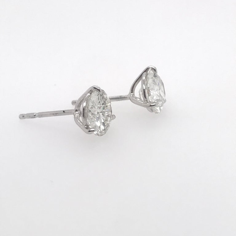 Round Cut Diamond Stud Earrings 3.06 Carat H SI3-I1 For Sale