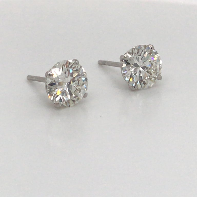 Contemporary Diamond Stud Earrings 3.41 Carat H-I SI2-I1 18 Karat White Gold For Sale