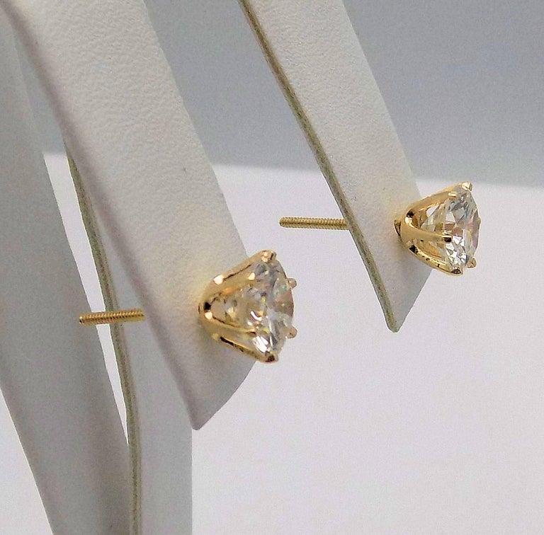 Diamond Stud Earrings in 14 Karat Yellow Gold For Sale 2
