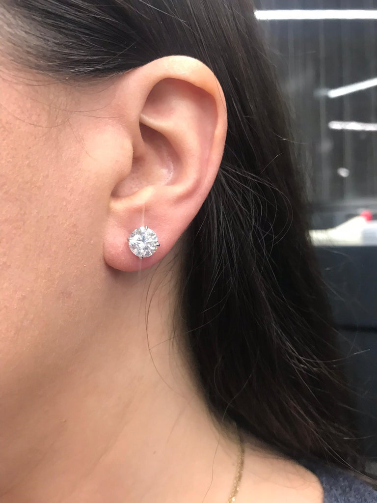 Contemporary Diamond Studs Earrings, 4.02 Carat, E-F SI3-I1 For Sale