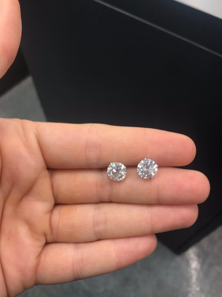 Diamond Studs Earrings, 4.02 Carat, E-F SI3-I1 In New Condition For Sale In New York, NY