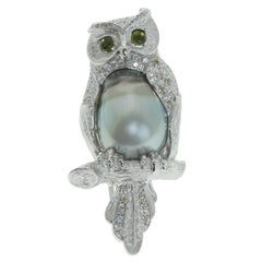 Diamond Tahiti Pearl 18 Karat White Gold Owl Brooch
