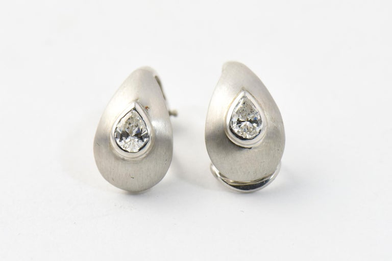Diamond Teardrop Brushed White Gold Earrings In Good Condition For Sale In Miami Beach, FL