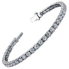Diamond Tennis Bracelet 8.25 Carat DEF Color VS2 GIA Certified 18 Karat Gold