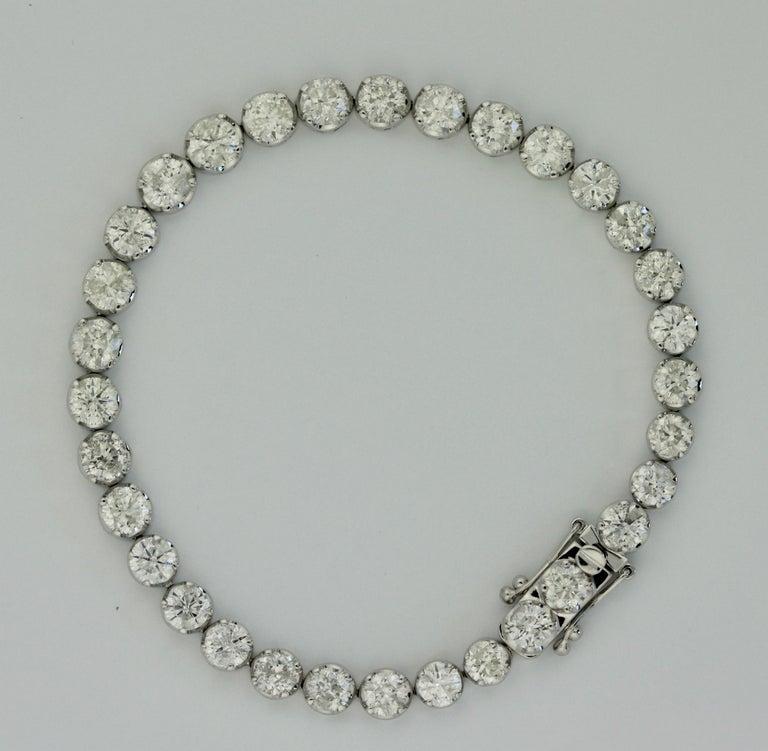 Diamond Tennis Bracelet In Good Condition For Sale In Palm Beach, FL