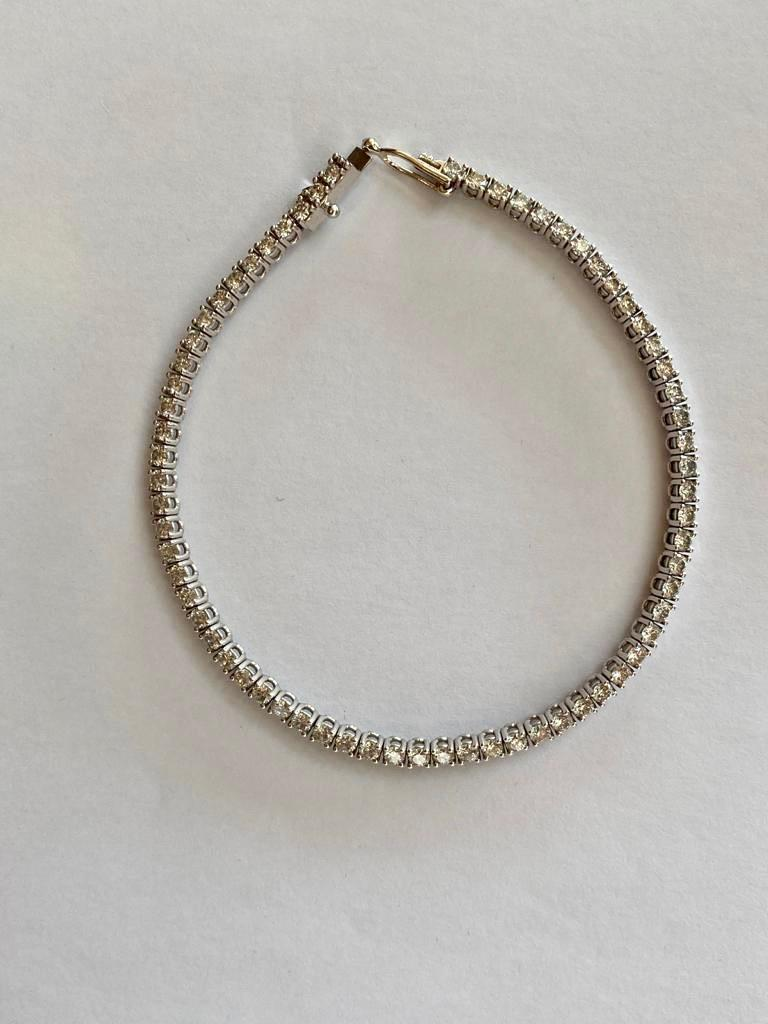 Brillant Cut Diamond Tennis Bracelet, 3,22 carats, GIA certified In Excellent Condition For Sale In London, GB