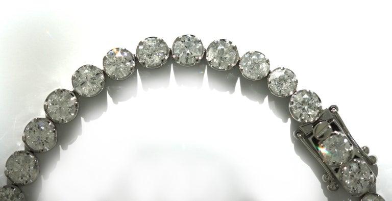 Women's or Men's Diamond Tennis Bracelet For Sale