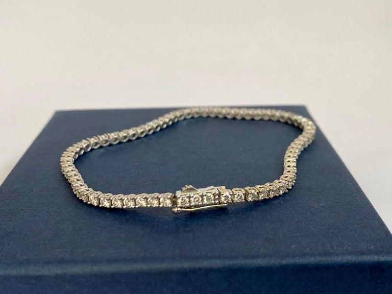 Brillant Cut Diamond Tennis Bracelet, 3,22 carats, GIA certified For Sale 3