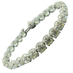 Diamond Tennis Bracelet with 19.24 Carat in Platinum