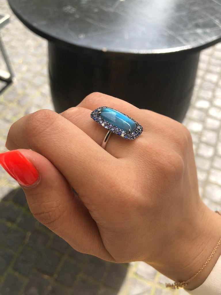 Diamond Topaz Sapphire Mother of Pearl White Gold 18 Karat Ring In New Condition For Sale In Montreux, CH