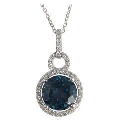 Diamond Town 2.39 Ct London Blue Topaz and 0.16 Carat Diamond Halo 14 Karat Gold