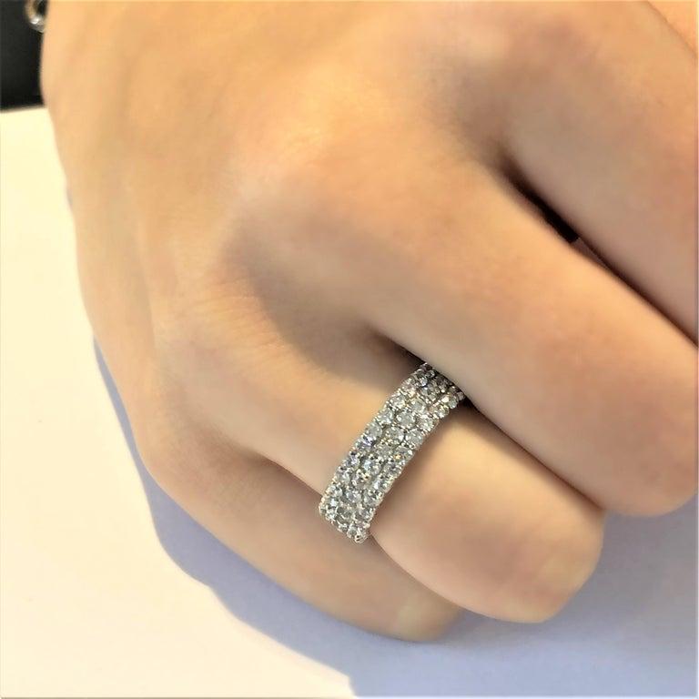 Women's or Men's Triple Row Diamond Prong Set Eternity 18 Karats Gold Ring Weighing 5.52 Carat For Sale