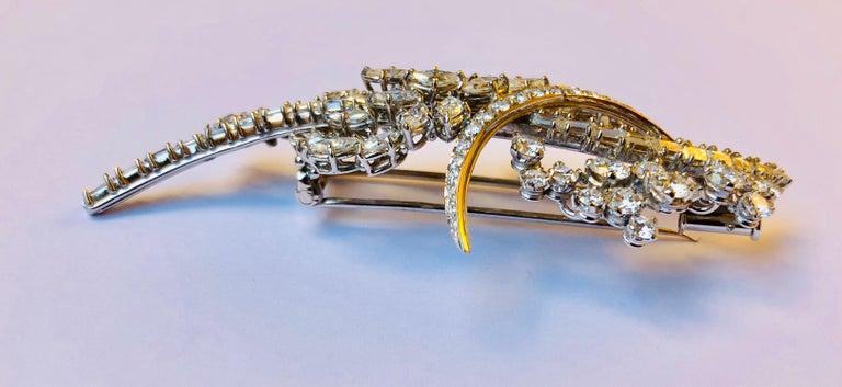 Round Cut Diamond Van der Veken High Jewelry Brooche For Sale
