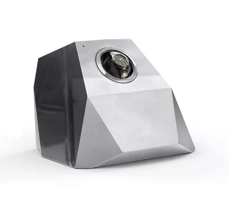 The Diamond design piece reinterprets the quintessential diamond shape throughout contemporary design, a beautiful outcome of architectural thinking with elegant faceted lines. A single module watch winder that provides proper care and secure