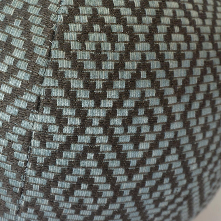 Diamond Weave Round Ball Pillow In Excellent Condition For Sale In Greenwich, CT