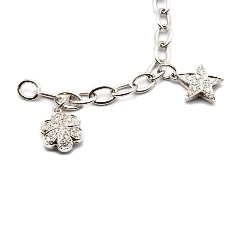 Round Cut Diamond White Gold Charms Bracelet, Made in Italy For Sale