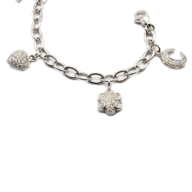 Diamond White Gold Charms Bracelet, Made in Italy In New Condition For Sale In Valenza, AL