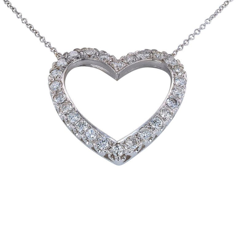 Round Cut Diamond White Gold Heart Shaped Pendant Necklace For Sale