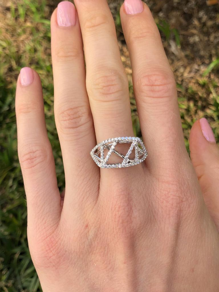 Diamond White Gold Lattice Ring In New Condition For Sale In Beverly Hills, CA