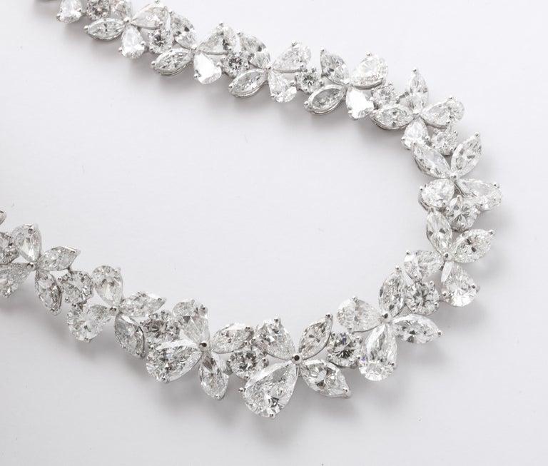 Diamond Wreath Necklace For Sale 2