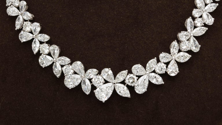 Diamond Wreath Necklace For Sale 3