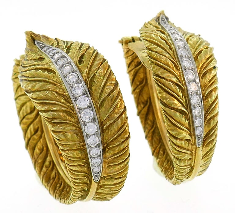 Diamond Yellow Gold Hoop Earrings, 1980s In Good Condition For Sale In Beverly Hills, CA