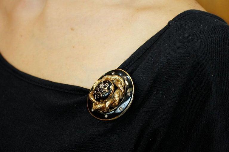 Diamonds, 14 Karat Yellow Gold and Enamel Gold, Retro Brooch For Sale 5