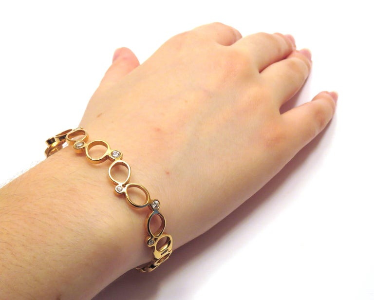 Modern 18Kt Rose Gold Diamonds Bracelet Hand Crafted in Italy by Botta Gioielli For Sale