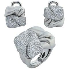 Diamonds 18 Karat White Gold Suite