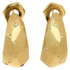 Diamonds 18 Karat White Matte Gold Geometry Earrings
